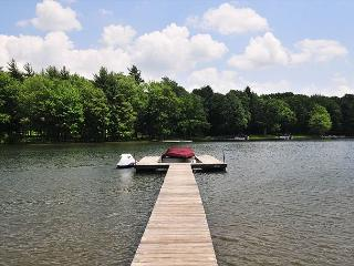 Captivating 2 Bedroom cottage offers amazing lakefront with a private dock! - Swanton vacation rentals