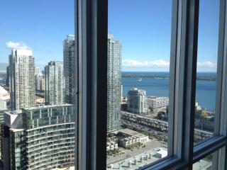 Luxury 37thFl 2bd condo+prkng+brkfst. DOWNTOWN - Toronto vacation rentals