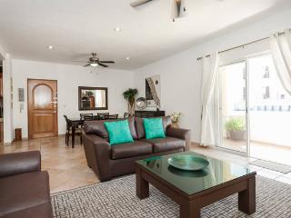 Comfortable Condo with Internet Access and A/C - Playa del Carmen vacation rentals