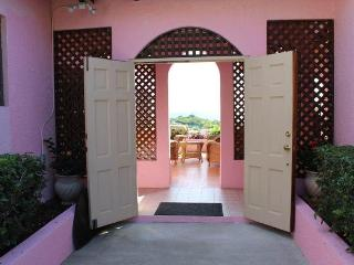 Spacious 4 bedroom Villa in East End - East End vacation rentals