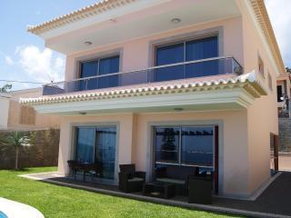 Villa Longuiera - Funchal vacation rentals