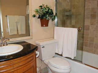 bath room m - 2922 Bayside Walk #D - Pacific Beach - rentals