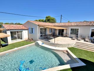 South of France - Beautiful house with private pool and spa - Saint Raphaël vacation rentals