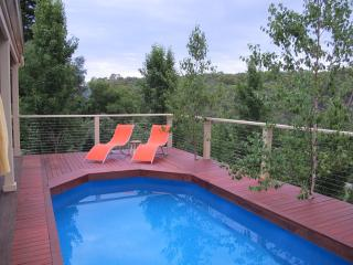 Blue Cliffs Gatsby Spa Studio - Hepburn Springs vacation rentals