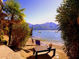 Tosca lakeside Apartment .2 bedrooms & 2 bathroo - Montemezzo vacation rentals