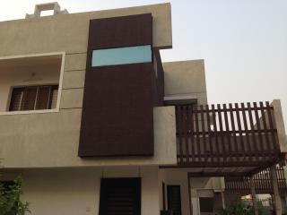 Furnished, Modern Home in Gated Comm in Baroda - Ahmedabad vacation rentals