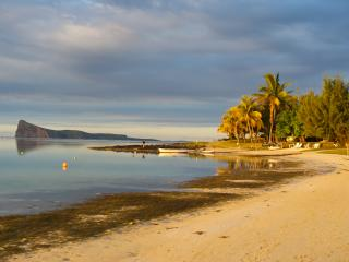 Lagunala - 2-Bedroom Beach Apartment - Pereybere vacation rentals