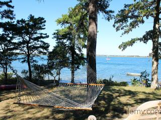 149 - PRIVATE WATERFRONT COTTAGE ON LAKE TASHMOO - New Bedford vacation rentals