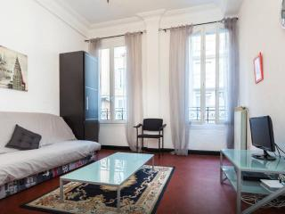 TYPICAL NICE STYLE APARTMENT, Next to the Port - Nice vacation rentals