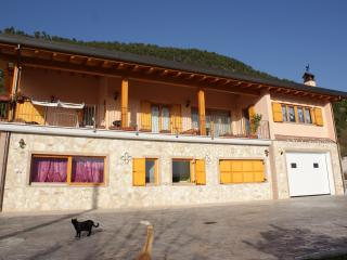 L'Aquila del parco Bed and Breakfast - Pizzoli vacation rentals