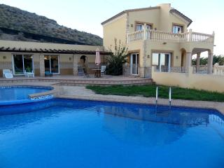 Bright 5 bedroom Los Gallardos Villa with Internet Access - Los Gallardos vacation rentals