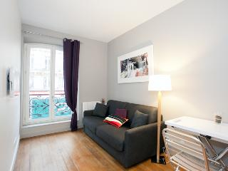 Apartment for 2 Near Louvre Museum - Paris vacation rentals