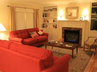 A jewel in the snowy village of Stowe - sleeps up to 8 - Stowe vacation rentals