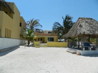 Sd House. Beautiful Waterfront Home In Chicxulub Near The Village   Casa Sd. Preciosa Casa Frente Al Mar En Chicxulub Cerca Del Pueblo - Chicxulub vacation rentals