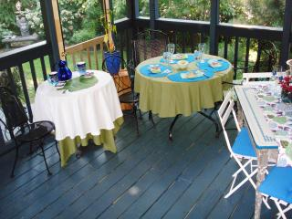 Walk to Shops/Eateries Charming Cottage. Dogs Wel. - Annapolis vacation rentals
