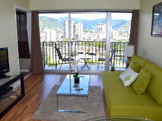 Best price in Waikiki! Free parking included. - Honolulu vacation rentals