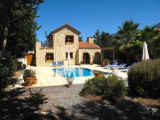 3 bedroom Villa with Internet Access in Karsiyaka - Karsiyaka vacation rentals