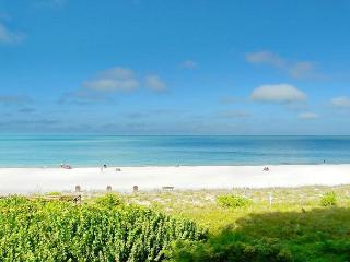 Luxurious beachfront condo w/ spectacular ocean views - Marco Island vacation rentals