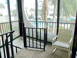 Cabana-style condo in waterfront community w/ short walk to Olde Marco - Marco Island vacation rentals