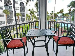 Tranquil condo in heart of luxurious waterfront community - Marco Island vacation rentals