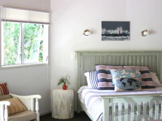 Lighthouse Cottage at tropical Driftwood Central - Kerikeri vacation rentals