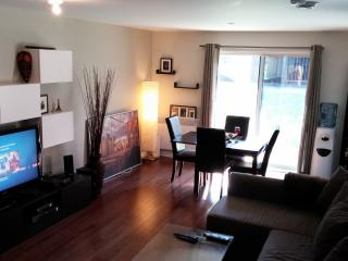 Beautiful Apartment in Laval,2min.walk from Subway - Laval vacation rentals