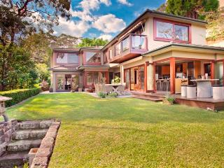 Harbourside villa near to a Manly - Manly vacation rentals