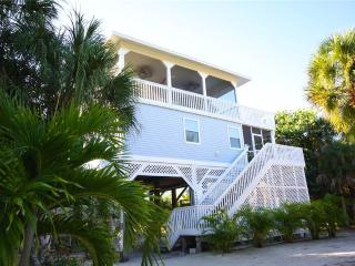 Bright 4 bedroom House in North Captiva Island with Deck - North Captiva Island vacation rentals