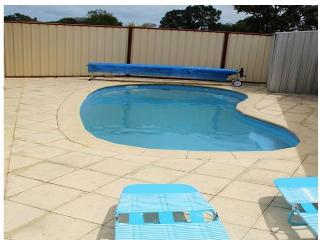 Bright 5 bedroom House in Carramar with Deck - Carramar vacation rentals