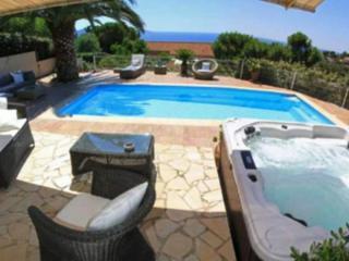 Bright 5 bedroom Villa in Pietrosella - Pietrosella vacation rentals