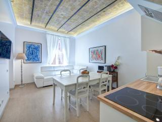 Top apartment in the hearth of Rome:Sistine Chapel - Rome vacation rentals