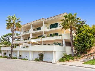 2 Bed VDL Tennis Apartment - near the beach - Vale do Lobo vacation rentals