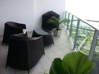 Oceanfront condo, best location in Panama - Panama vacation rentals