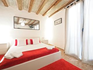 Ramblas Gotico 1 - Barcelona vacation rentals