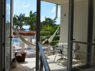 ROMANTIC 1BDRM APT WITH JACUZZI, 7th NIGHT FREE! - Playa del Carmen vacation rentals