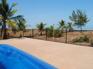 Beautiful Villa with Deck and A/C - Dundee Beach vacation rentals