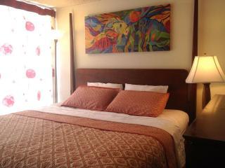 Only $90, Waikiki, Ocean View, 1 Block to Beach - Honolulu vacation rentals