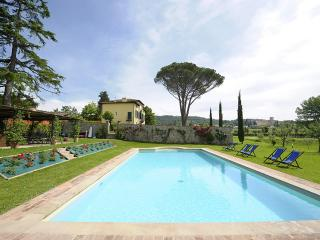 Villa Giustiniani with pool and park 3 km Lucca - Monte San Quirico vacation rentals