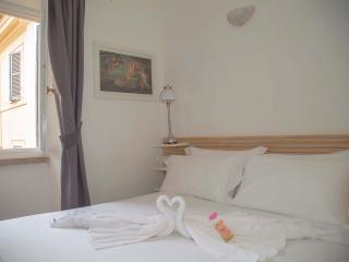 Piazza Navona Studio - Rome vacation rentals