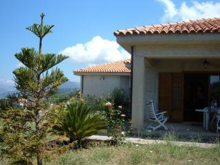 casa vacanza: montagna e mare in Siciia - Castelbuono vacation rentals