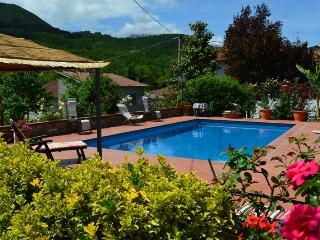 Nice Villa with Internet Access and Outdoor Dining Area - San Romano in Garfagnana vacation rentals