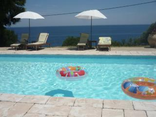 Bright 2 bedroom Condo in Favone with Internet Access - Favone vacation rentals