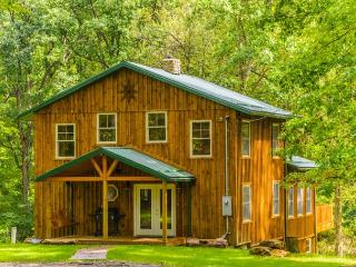 OVR's Lodge on Stony Creek! Warm and authentic MOUNTAIN LODGE! Hot Tub! - Farmington vacation rentals