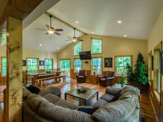 Serenity at it's Finest! -- HOT TUB!! Warm and authentic MOUNTAIN LODGE!! - Farmington vacation rentals