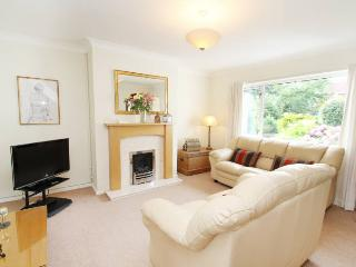 'Tŷ Pwlldu'. The Perfect Holiday Location! - Bishopston vacation rentals