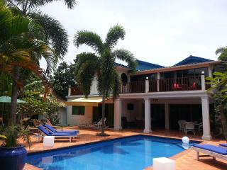Rose Villa Double bed Pool & Wifi - Sihanoukville vacation rentals