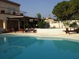 Salvo's House,Sun&Beach In Sicily - Fanusa vacation rentals