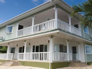 Gorgeous Au Cap Studio rental with Towels Provided - Au Cap vacation rentals