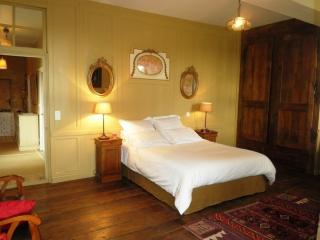 2 bedroom Bed and Breakfast with Internet Access in Corseul - Corseul vacation rentals