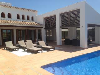 Dream Villa - Banos y Mendigo vacation rentals